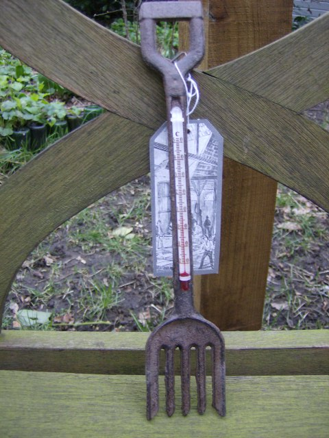 Cast iron small garden fork thermometer for Ladies small garden fork